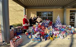 Boerne ISD Exceeds Goal of Collecting 1,200 Toys